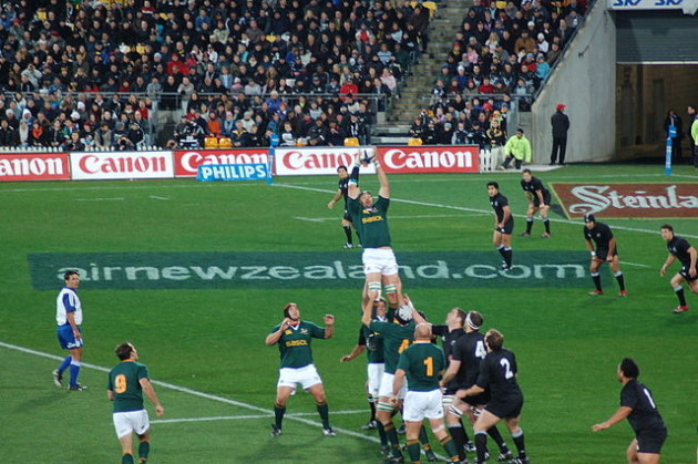 640px-New_Zealand_vs_South_Africa_2006_Tri_Nations_Line_Out