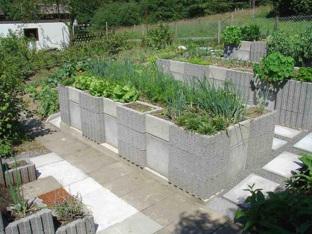 accessible raised garden