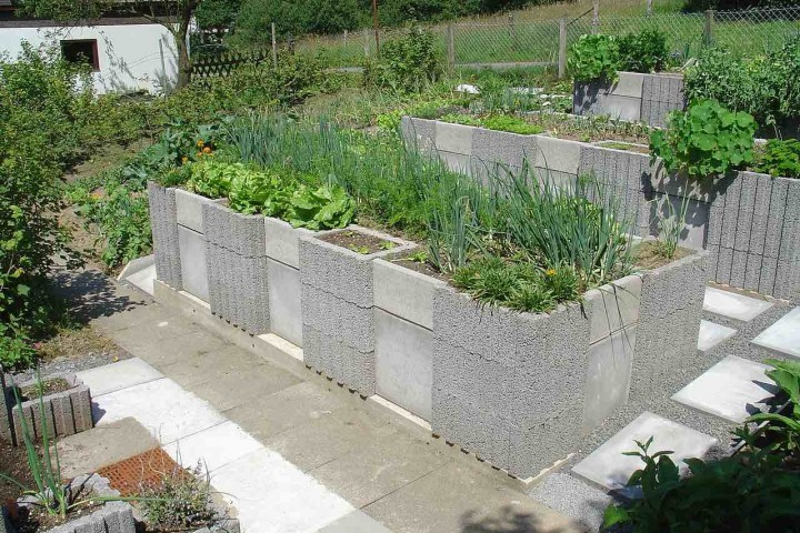 accessible raised garden