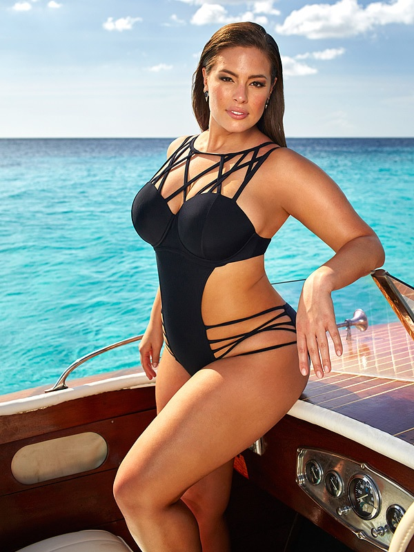 Looking for the best plus size swimsuits? You can find them online.