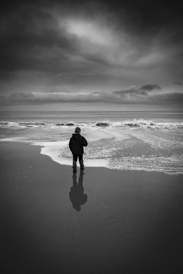 alone-boy-1462463100qtu