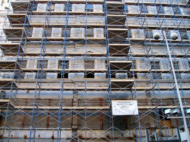 1280px-Cincinnati-scaffolding