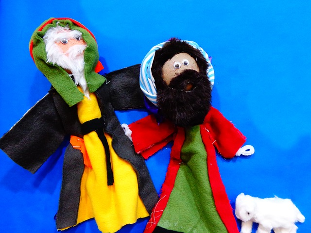 puppets-268646_640